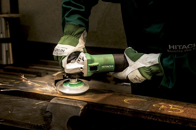 how to avoid common power tool accidents