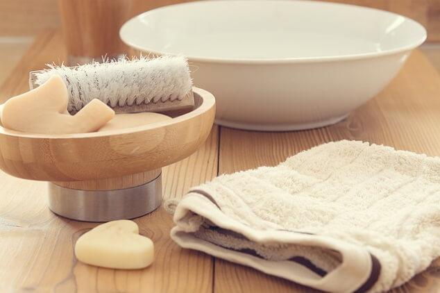 how to clean sawdust off wood before staining