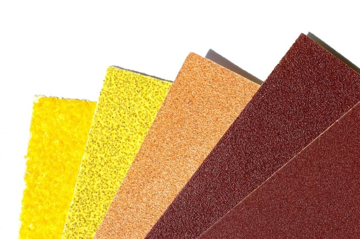 what grit sandpaper to remove paint from wood