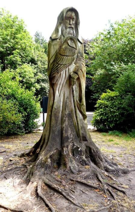 Witch or Wizard chainsaw carving